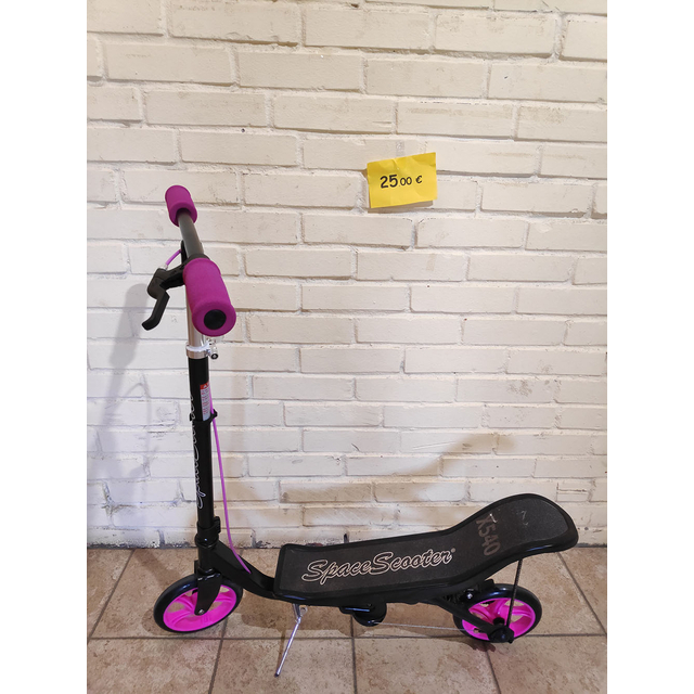 Scooter Space Scooter Pink (экспонат)